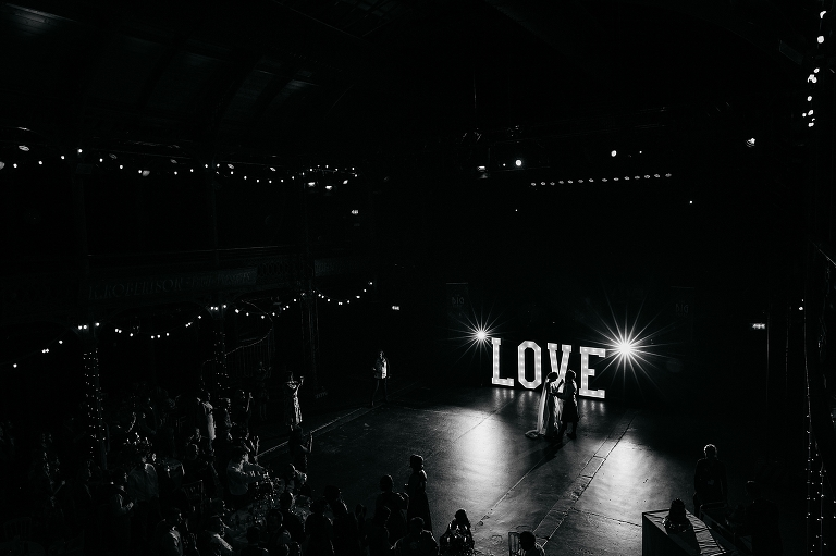 planning your wedding party timeline - first dance image from the Fruitmarket, Glasgow