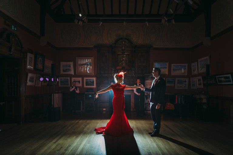 scottish-romantic-wedding-photography-jo-donaldson-photography-glasgow-art-club-first-dance